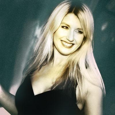 Nina Michelle Vocals bei den